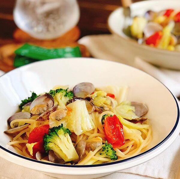 緑黄色野菜とアサリのスープスパゲティ