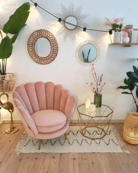 ピンク色の家具7