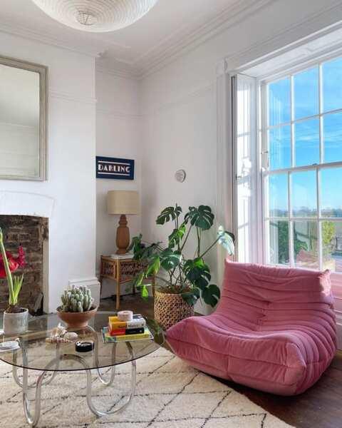 ピンク色の家具3