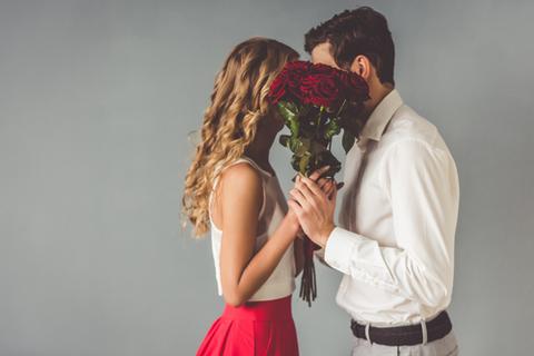 本当に好きなの? 男性が本命にするキスと本命以外にするキスの違い