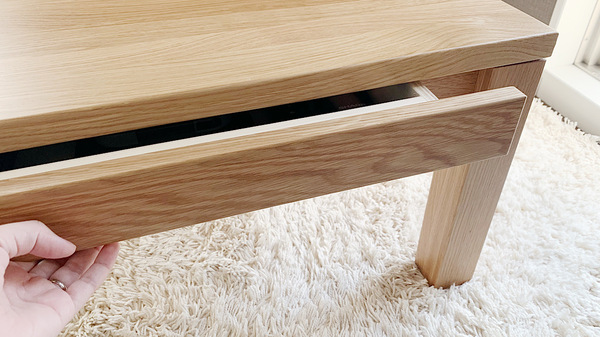 無印良品の無垢材ローテーブルの引き出し