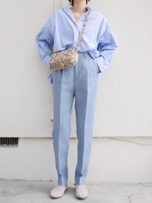 ユニクロのブルー系シャツはずっと着られるベーシック服 出典:WEAR