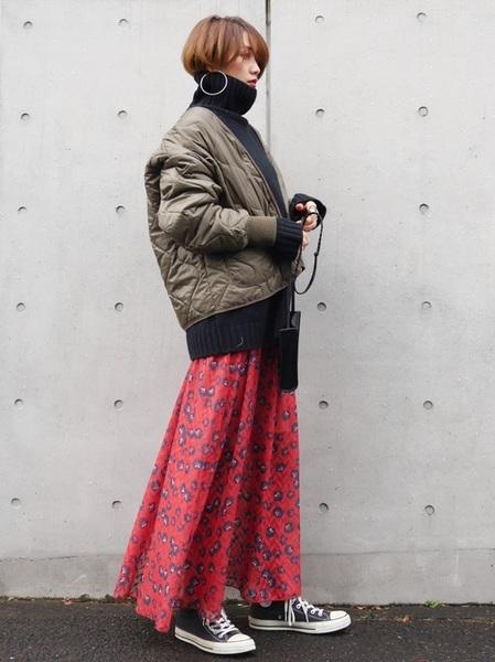 キルティングブルゾン×花柄マキシスカート