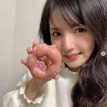 """道重さゆみ、ピンクの""""桜ドーナツ""""SHOTに「可愛さ満開」「顔小さい」の声"""