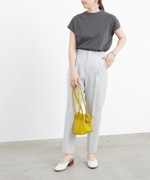 シンプルTシャツ×センタープレスパンツ