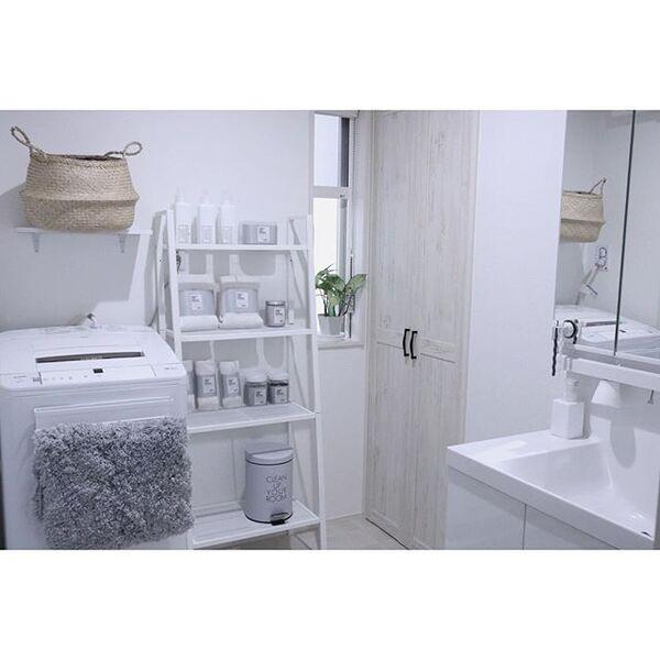 IKEAのオープンラックで見せる収納術