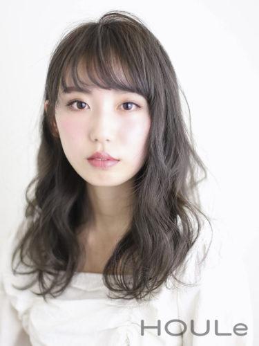 【ロング】ボリュームのあるパーマの髪型