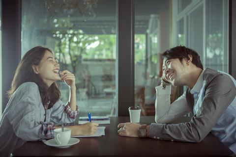 20歳と30歳、30歳と40歳では大きく違う!? 10歳差のカップルの生涯の関係性
