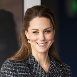英キャサリン妃、母の日に秘蔵写真を公開 ジョージ王子からのカードも