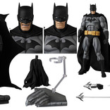 『HUSH』のバットマンが2バージョンでアクションフィギュアに!