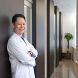 日本の「切りたがらない皮膚科」を変えたい! 皮膚外科に特化した「はなふさ皮膚科」大宮院に患者が殺到するワケ