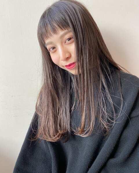 面長さんに似合うぱっつん前髪×ロング6