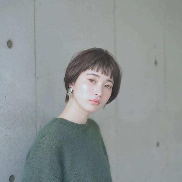 面長さんに似合うぱっつん前髪×ショート4