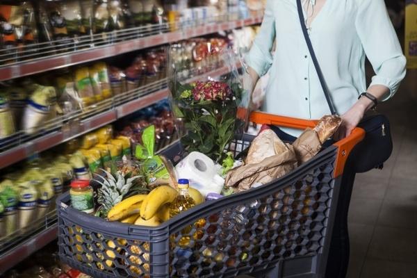 「分け合う気持ちで買物を」「買い占め行為がなくても品薄に」 スーパーマーケット協会、冷静な買い物を呼びかけ