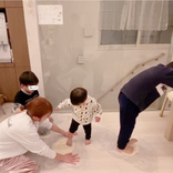 """「生地を踏み踏みして…」辻希美、子供たちと一緒に""""手作り""""したディナーSHOT公開"""