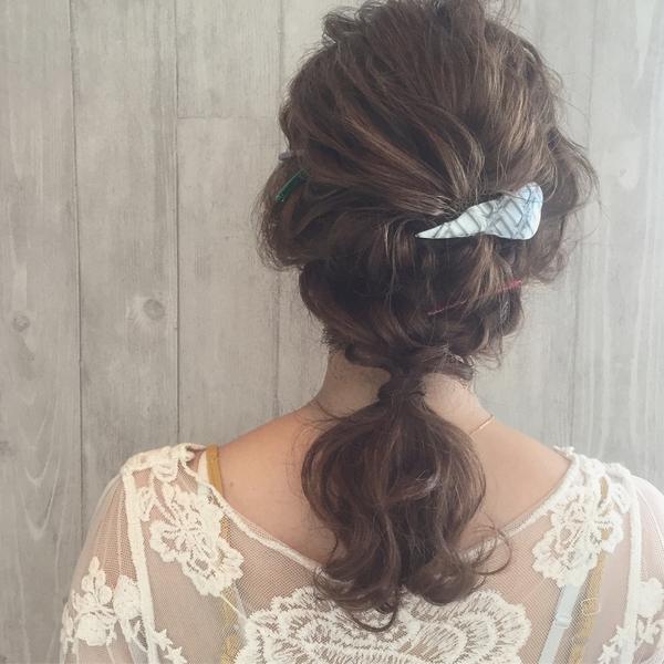 簡単ポニーのデート向けミディアムの髪型