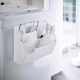洗濯機にくっつけるだけ。3段でたっぷり分類・収納できるマグネット式ポケット