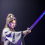新田真剣佑が歌、芝居、殺陣、ダンス、アクションと大活躍! 地球ゴージャス『星の大地に降る涙 THE MUSICAL』