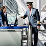 CAか女性地上職か。パイロットとの恋愛をめぐる裏事情