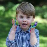 """2歳になった英ルイ王子、誕生日の""""おちゃめな姿""""が公開される"""