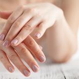 手がヒリヒリ!…よく手を洗う今こそ知りたい「簡単手荒れ対策」