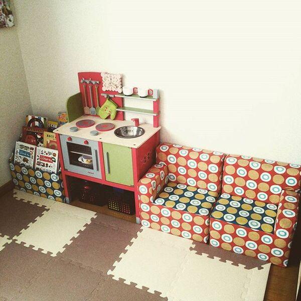 牛乳パックで子供用の家具をDIYする