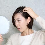40代から女性の薄毛の悩みが深刻化する原因と対策