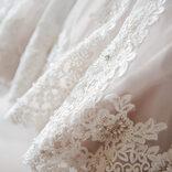 エンリケ、自宅結婚式を決行 純白ドレス姿と手作りケーキに絶賛