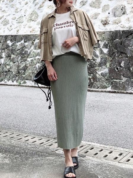 シャツ×ニットタイトスカートの夏コーデ