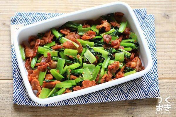 大量消費に人気!豚肉と小松菜のカリカリ炒め
