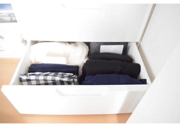 ダイソー ブックエンド 衣類収納