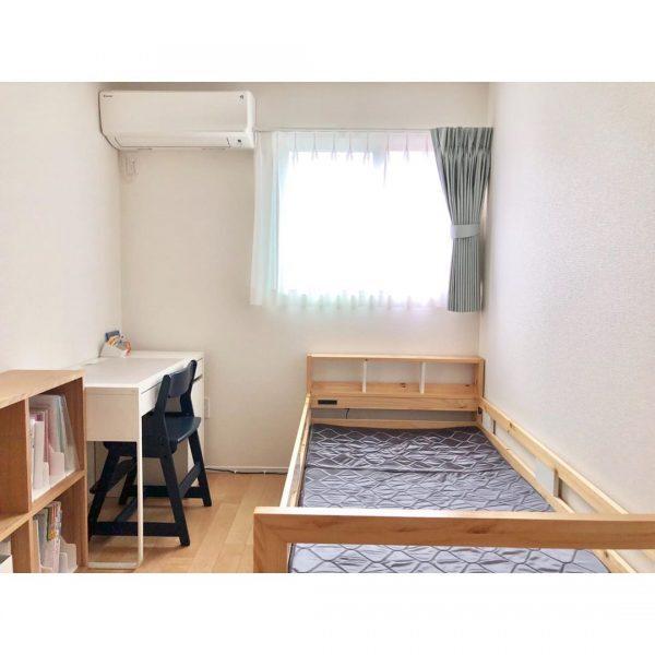 すっきりシンプルな子ども部屋