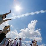 「ありがとう」の声が続々 ブルーインパルス飛行時の『写真』に胸が熱くなる
