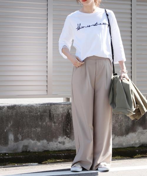 [reca] ゆったりシルエット 筆記体 刺繍ロゴTシャツ