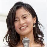 """小島瑠璃子、「自粛中に顔面変化?」の声続出を促進させた""""本番中のしぐさ"""""""