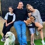 ジェニファー・ロペス一家に子犬が仲間入り 専用インスタ開設でフォロワーも1万人超