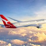 カンタス航空、国際線の運航停止を10月末まで延長