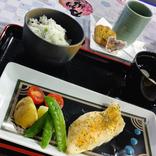 『刀剣乱舞』のコラボカフェに出陣!最推し・桑名江に出会うことはできるのか……?