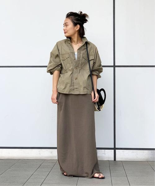 ミリタリーシャツ×マキシカーキスカート