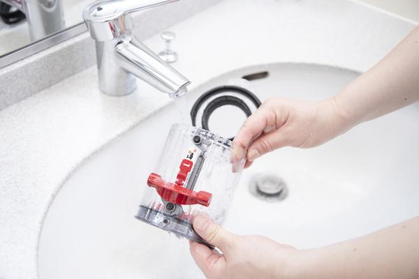 クリアビンを水洗い