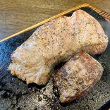 【疑惑】やっぱりステーキは看板メニューだけがウマい説 → 高い肉も食べてみた結果…