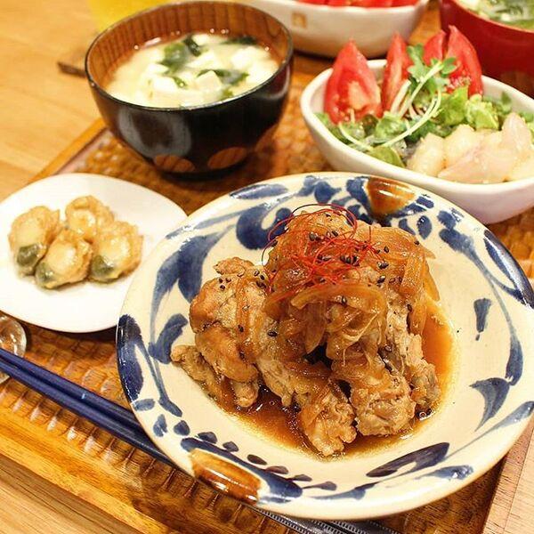 美味しい人気レシピ!鶏手羽元酢醤油玉ねぎ煮