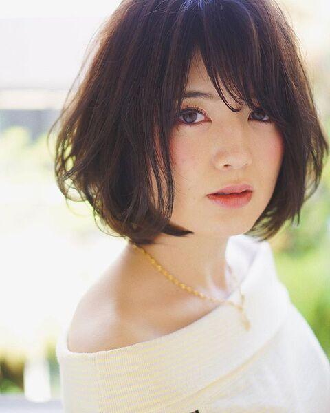 【2020秋トレンド前髪】斜めバング