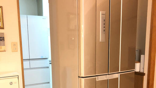 メルカリで販売する古い冷蔵庫と新しい冷蔵庫