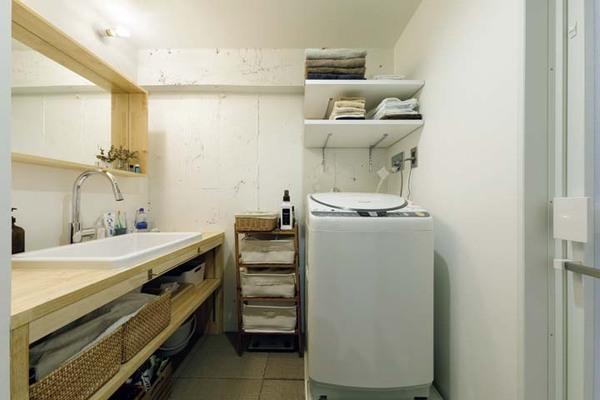 たっぷりの収納を確保した洗面所