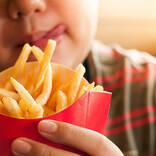 【医師監修】子供の肥満はどんな問題がある? 基準や受診の目安、解消法は?