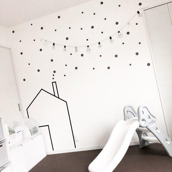 壁面がおしゃれなキッズスペース
