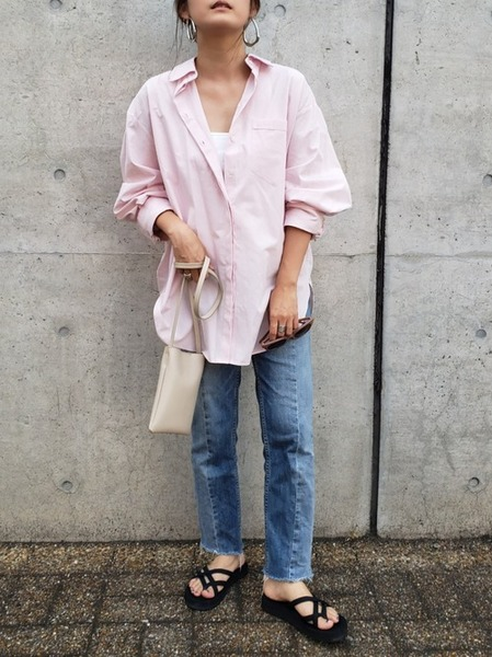 ZARA ピンクシャツ