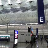 香港国際空港、乗客の足止め防ぐ取り組み強化 航空会社に罰則も