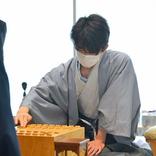藤井七段、長考から攻めた 地元・愛知で初のタイトル戦「一手一手最善を追求」の決意通り